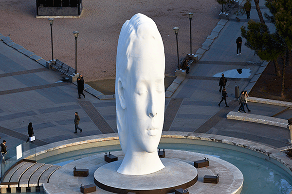 Julia, obra de Jaume Plensa. Colección FMCMP. Plaza de Colón, Madrid. 2018-2020